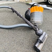 Dyson bagless canister vacuum cleaner Ashburn, 20148