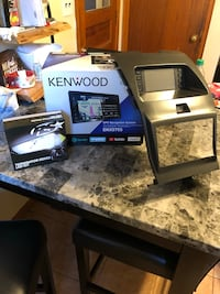 Brand new Kenwood stereo w/navigation and apple car play.