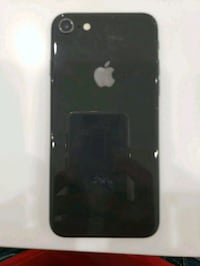 Iphone 8 come with box n everything  Calgary, T2A 5H5