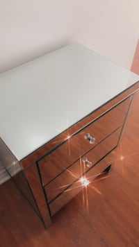 Mirror drawer no scratches very good condition  Toronto, M9V