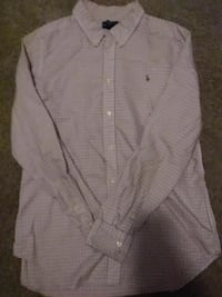 gray button-up sport shirt
