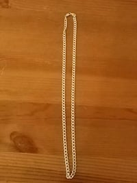 gold-colored chain necklace Maple Ridge, V2X