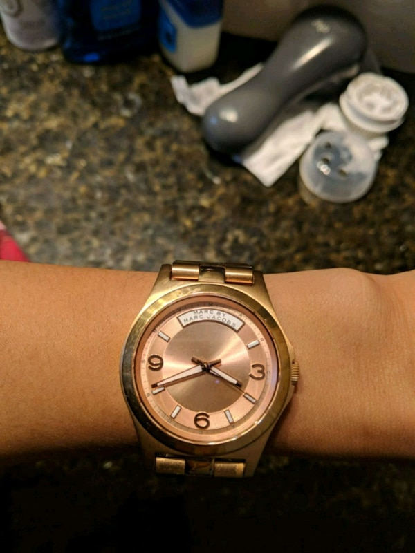 Marc Jacob's rose gold watch
