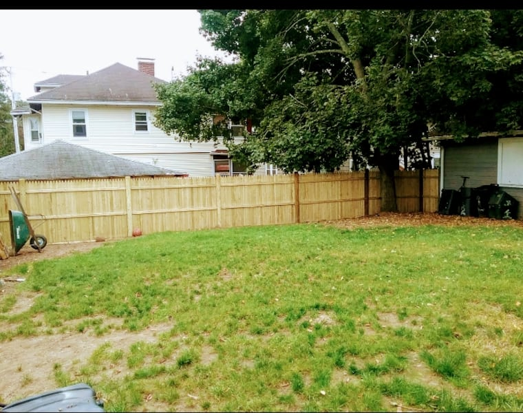 Fence and gate installation  118e582e-9875-4def-af69-a0bd551a9e42