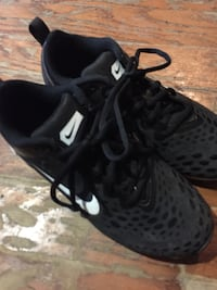Size 5Y black and white Nike cleats Little Rock, 72211