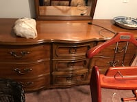 5 piece wooden bedroom set Calgary, T3Z 0Y5