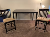 Wooden Dining Table with Chairs  Des Moines, 50309