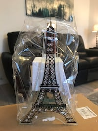 Glass Eiffel Tower candle holder Vancouver, V5K 3J8