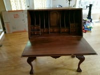 brown wooden desk with hutch Ashburn, 20147