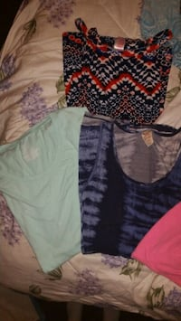 LADIES CLOTHING OVER 60 PIECES! Bakersfield, 93308