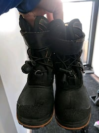 Toddler boots size 9 Calgary, T3K 4G2