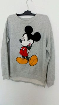 suéter estampado Mickey Mouse gris Madrid, 28018