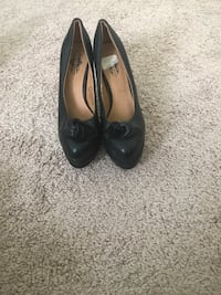 Pair of black leather flats Oxon Hill, 20745
