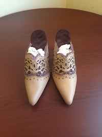 Sellin New Laser Cut Cushion Walk Mules. Size 8 New Westminster, V3M 1K7