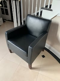 Leather lounge chair Holmdel, 07733