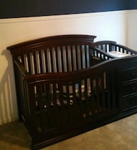Wooden crib with changing station Fresno, 77545
