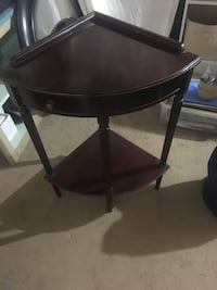 Corner table- dark brown. Excellent quality  Washington, 20004