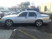 2004 Ford Crown Victoria Bay Shore