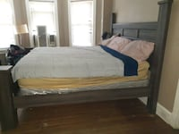 Barely used King Head/Foot board/Frame optional box n mattress forfree Wilmington