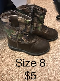 Toddler boy Size 8 black and tree camouflage leather side-zip cowboy boots Harpers Ferry, 25425