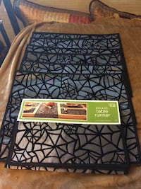 New Spider Web Runner and 4 Placemats Hampton, 23663