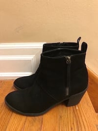 Forever 21 boots size 8 Toronto, M9M 2T1