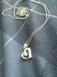 silver chain necklace with heart pendant 490 mi