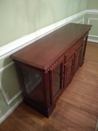 Wooden Server - Matching curio sold separately Fort Washington, 20744