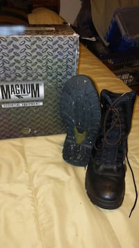 Black Boots size 10 med Gray, 37615