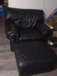black leather padded rolling chair New Westminster