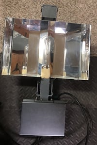 Solis Tek 350watt grow light. Built in ballast . Portland, 97229