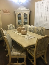 Dining Table with 8 chairs and china Santa Clarita, 91351