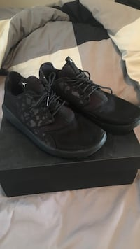 Black Jordan Eclipses (Size 9/Price is negotiable)