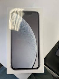 iPhone xr white.  $550 OBO.  Ships from quebec Ottawa