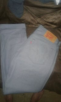 Mens pants Farmersville, 93223