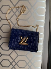 Louis Vuitton blue handbag Madrid 6119 km