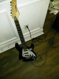 black and white stratocaster electric guitar Augusta, 30901