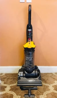 Dyson Dc33 Bagless Vacuum Cleaner