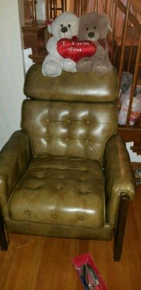 brown leather tufted sofa chair Upper Marlboro, 20772