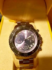 round black Invicta chronograph watch with link bracelet Los Angeles, 90032