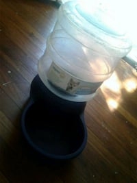 Automatic pet water feeder  Phenix City, 36867
