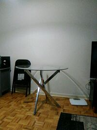 Selling glass kitchen table