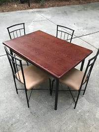 Kitchen table & Chair set Raleigh