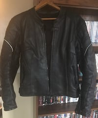 Women motorcycle armored leather jacket Gatineau, J8P 7Y2