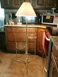Working vintage 3-tier indoor lamp w/3 glass plant stand shelves