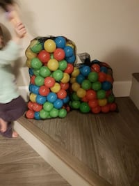 twp colored plastic balls sacks
