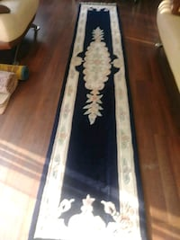 white and blue floral area rug Toronto, M4T
