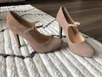 GUESS, size 6.5 beige suede heels, never worn Falls Church, 22042