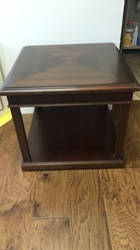 Solid Wood  End Table Lafayette, 70506