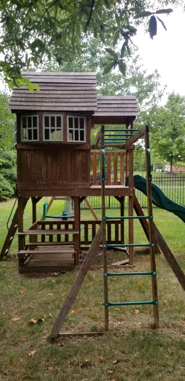 Leisure Time Playset/ Swing Set with sliding board 4af2aac1-8813-45a7-92a1-e09c8deac424